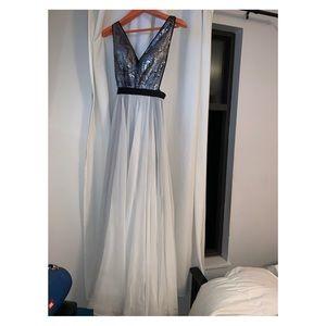 Dresses & Skirts - Beautiful Grad Dress